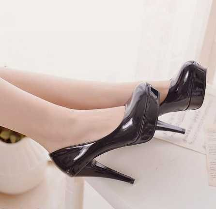 کفش پاشنه بلند مجلسی زنانه شیک و بسیار زیبا