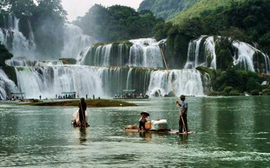 Photo of ۱۰ آبشار ناشناخته و زیبای جهان !