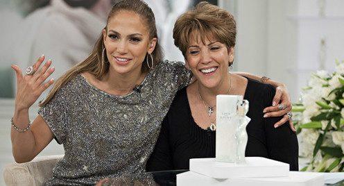 عکس خصوصی جنیفر لوپز در کنار مادرش!