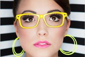 آرایش خانم عینکی
