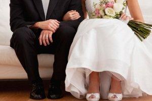 ازدواج عجیب پیرمرد 68 ساله با دختری 24 ساله که نوه اش است!