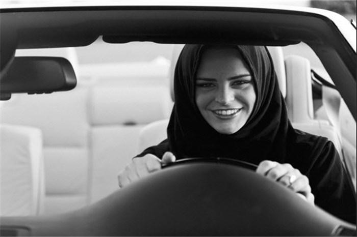 زنان زیبای  ایرانی چه نوع خودرویی را می پسندند؟