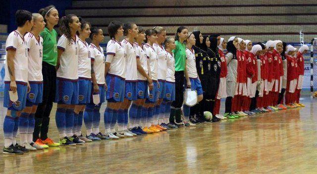 عکس دختران بی حجاب روس که در ایران فوتسال بازی می کنند