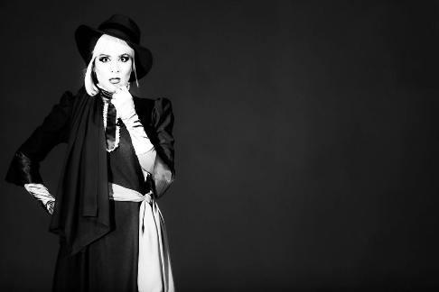 تصاویر سیاه و سفید جالب ویشکا آسایش در تئاتر