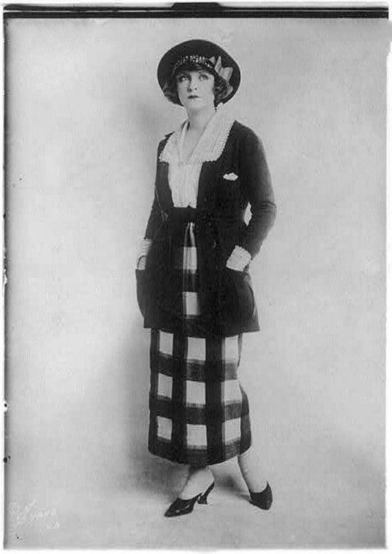زن کمرباریک