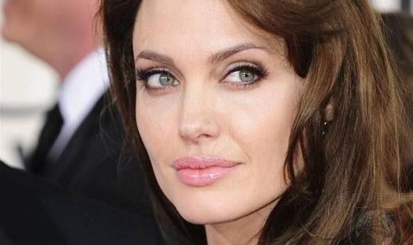 رابطه عاشقانه آنجلینا جولی با شیخ عرب میلیونر