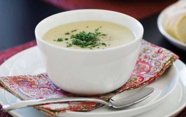 سوپ سیب زمینی و تره فرنگی