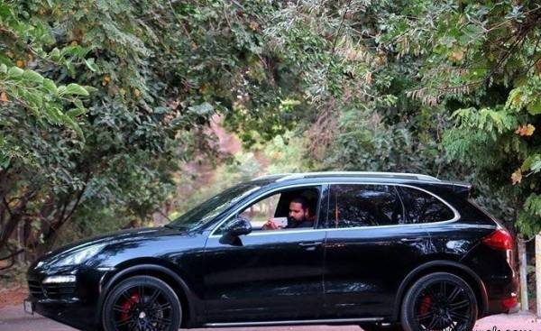 عکس جدید رضا صادقی در خودروی پورشه گران قیمتش