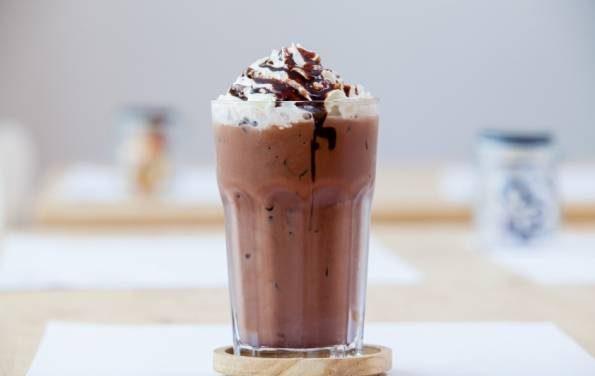 شیر کاکائو با بستنی