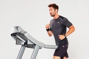ترفند کاهش وزن موثر با راه رفتن روی تردمیل