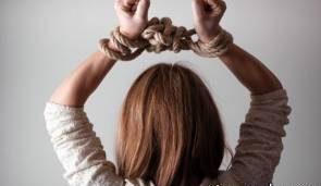 مرد مواد فروش به بازیگر زن معتاد تجاوز کرد و او را مورد آزار جنسی قرار داد! +عکس بازیگر زن