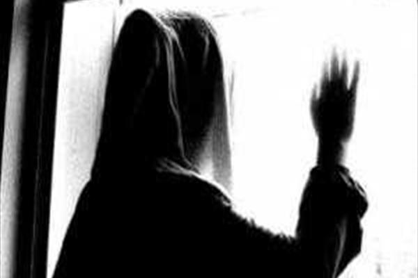 ماجرای دختر دوجنسه ای که لباس پسرانه می پوشید و دستگیر شد