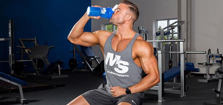پروتئین کازئین | تاثیر پروتئین کازئین بر بدن چیست و چرا باید استفاده کنیم؟