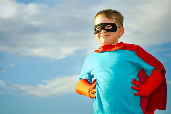پسر و دخترهای کم سن و سال و عاشق سوپر من و قهرمان ها
