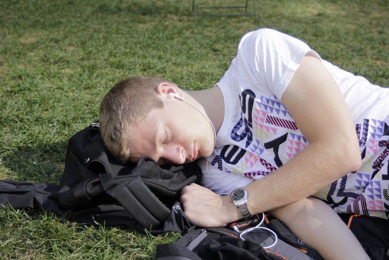 چرت زدن و خواب کوتاه باعث تقویت ذهن و تمرکز بیشتر می شود