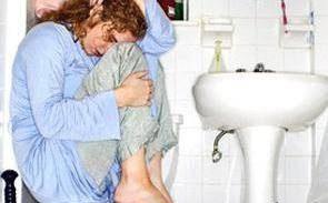 مشکل بی اختیاری ادرار در خانم ها و درمان بی اختیاری ادرار