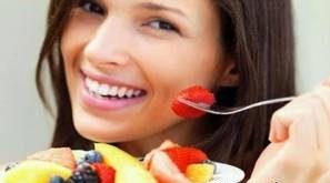 خانم ها در دوران بارداری توت فرنگی بخورید + خواص توت فرنگی در دوران بارداری