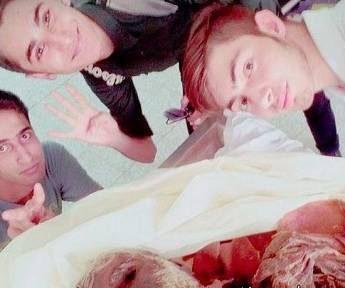 افتضاح چالش مانکن در اتاق جراحی و کنار بیمار در ایران! + عکس جنجالی چالش مانکن