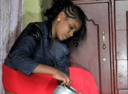 این دختر 9 سال است که غذا نخورده و سالم زندگی می کند! + تصاویر دختر