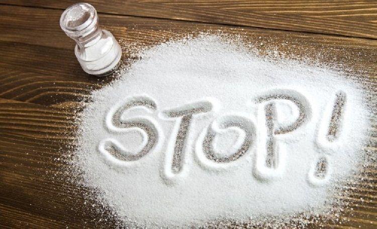 با مضرات و خطرات نمک اشنا شوید! ( اینفوگرافیک مضرت نمک)