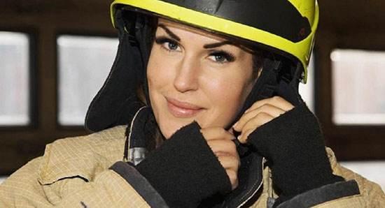 عکس های زیباترین دختر آتش نشان دنیا