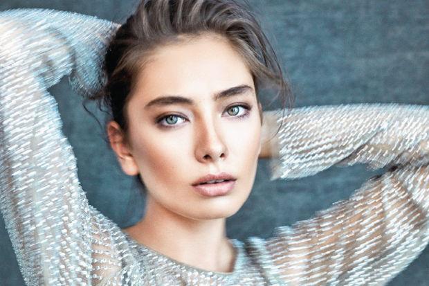عکس های جذاب نسلیهان اتاگول بازیگر نقش اکیا در سریال اکیا