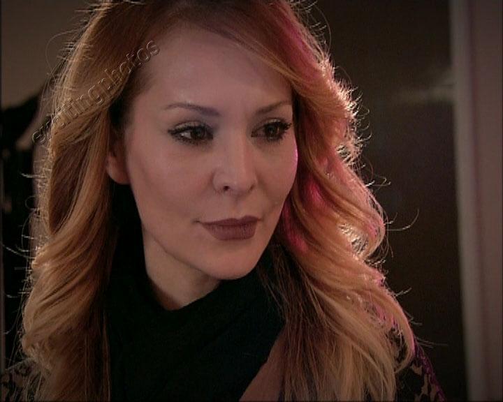 عکس های بازیگر نقش ویدا در سریال اکیا