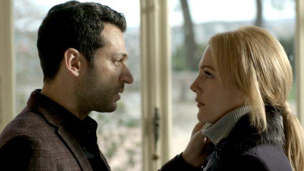 دانلود آهنگ تیتراژ سریال ترکی ملکه شب با بازی مریم اوزرلی