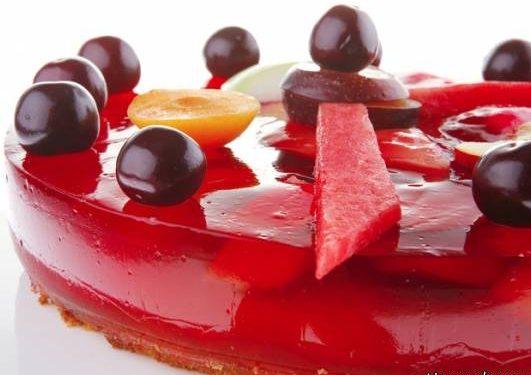 کیک ژله ای قرمز