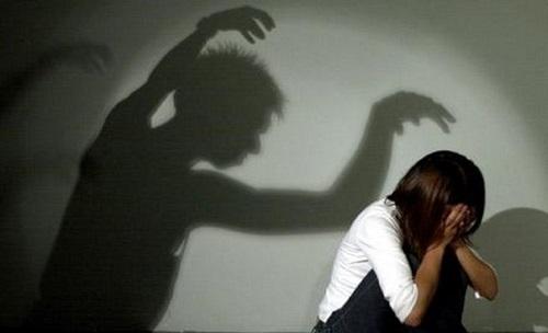 مرد پرستار به دختر 37 ساله عقب مانده ذهنی تجاوز کرد!