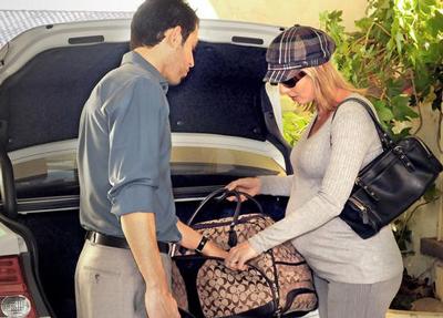 مسافرت زن حامله
