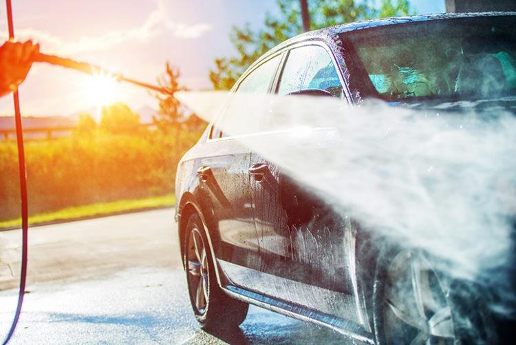 خودروهای ایرانی که آب به آنها نفوذ می کند و نباید به کارواش ببرید