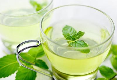 طرز تهیه نوشیدنی ضد نفخ نعناع و لیمو