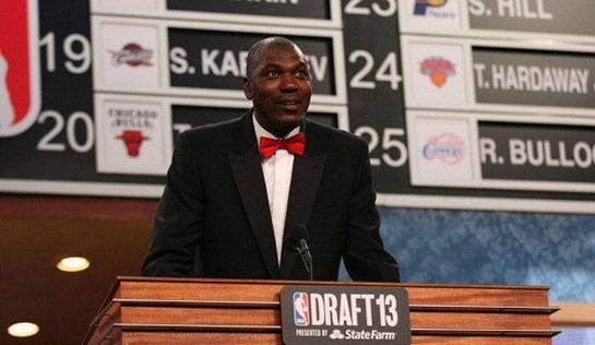 حکیم اولاجون (Hakeem Olajuwon)، بازیکن سابق تیم های بسکتبال هیوستون راکتس و تورنتو رپتورز