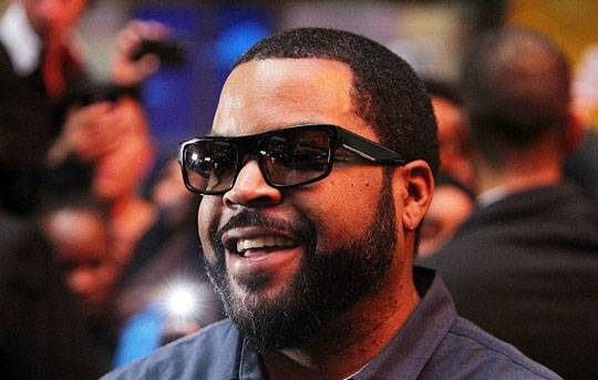 آیس کیوب (Ice Cube)، خواننده سبک رپ، تهیه کننده و بازیگر