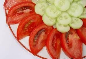 مصرف خیار و گوجه با هم خوب نیست
