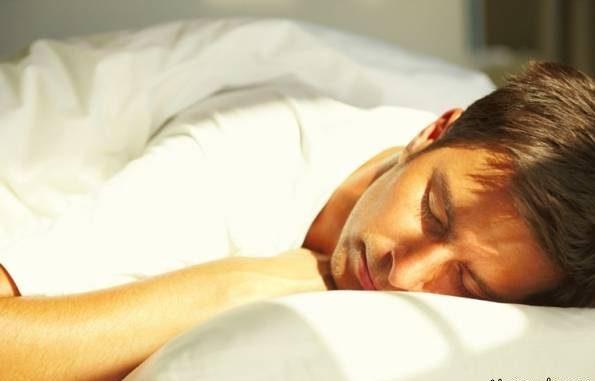 عطسه انسان در خواب