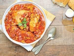 خوراک مرغ و لوبیا قرمز بلغاری