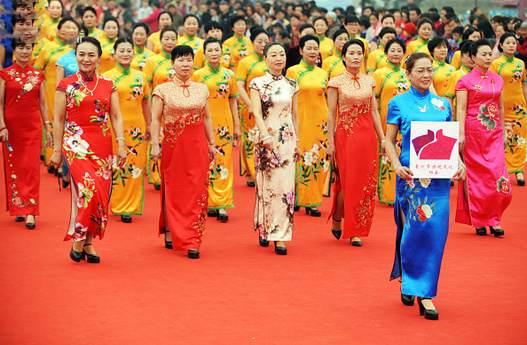 کارهای جالبی که زنان و دختران چینی در روز 8 مارس روز زن می کنند