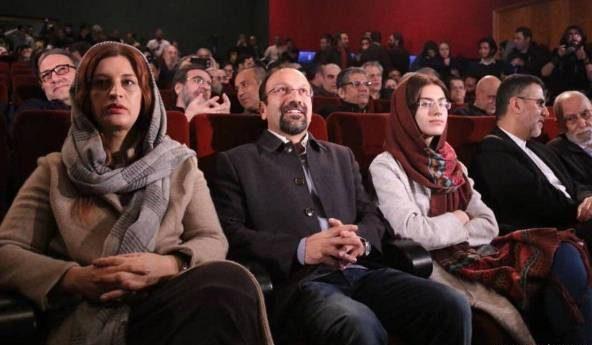 اصغر فرهادی در کنار همسر و دخترش