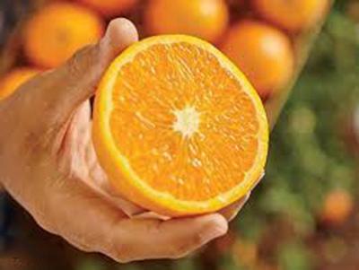 روش جوانسازی پوست آقایان با پرتقال در حمام