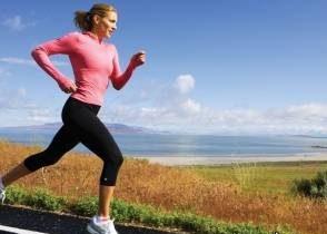 استفاده از لوازم آرایشی هنگام ورزش برای خانم ها مضر است!