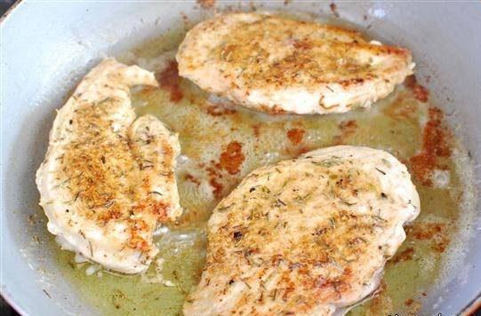 مرغ سرخ شده با لیمو عمانی