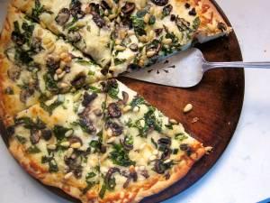 پیتزای گوشت و اسفناج