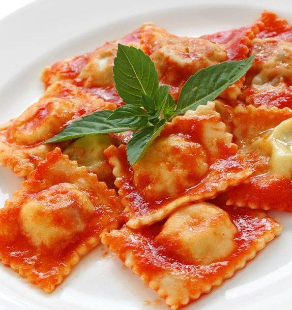 ژامبون راویولی با سس گوجه فرنگی