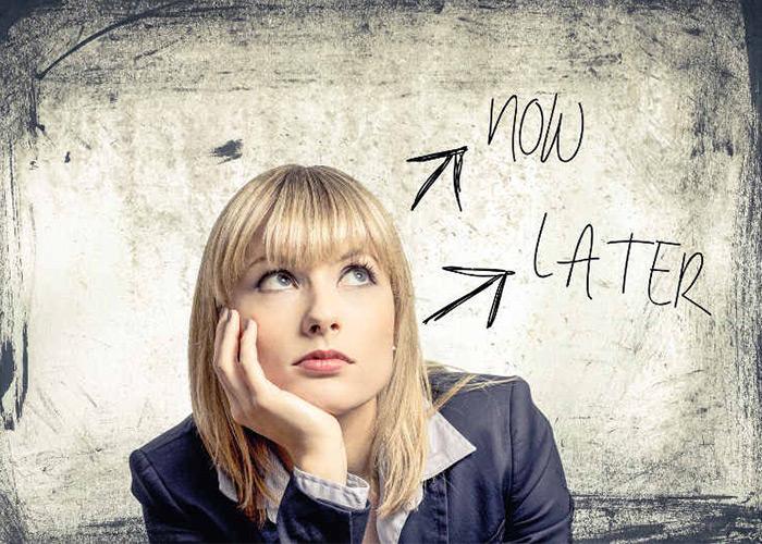 چگونه تنبل نباشیم و انجام کارها را به عقب نیندازیم؟
