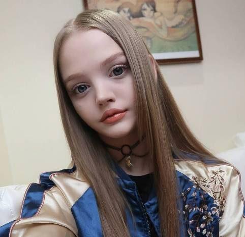 عکس های دختر جذابی که به دلیلی زیبایی زیادش معروف شد!