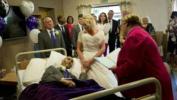 تصاویر غم انگیز برگزاری مراسم ازدواج لحظاتی قبل از مرگ
