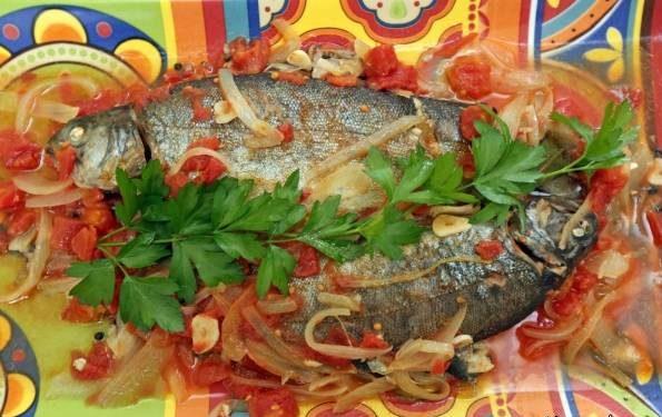 طرز تهیه ماهی قزل آلا و گوجه فرنگی به روش انگلیسی
