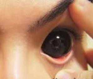 عکس های زنی که وحشتناک ترین چشم های دنیا را دارد!